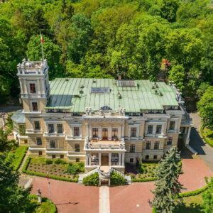 Pałac W Biedrusku Z Wieżą (fot. Archiwum Pałacu Biedrusko)